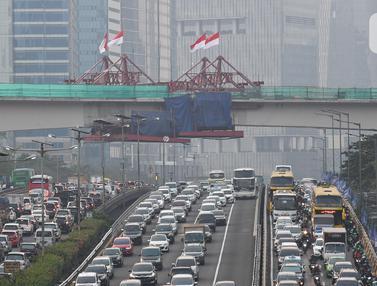 Tiang Pancang LRT Rute Cawang-Kuningan-Dukuh Atas Tersambung