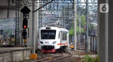 FOTO: Layanan Kereta Bandara Kelas Premium Mulai Beroperasi