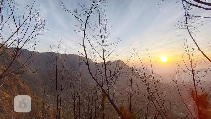 Hasil foto Oppo Reno2 dengan lensa sudut lebar pada objek pemandangan alam. Liputan6.com/Mochamad Wahyu Hidayat