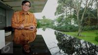 Menkumham, Yasonna Laoly berpose usai rapat koordinasi di Bogor, Jawa Barat, Sabtu (24/9). Rakor membahas pembuatan cetak biru pembangunan hukum Indonesia di bidang penegakan hukum dan rancangan peraturan pemerintah. (Liputan6.com/Gempur M Surya)