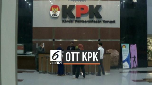 Komisi Pemberantasan Korupsi (KPK) gelar operasi tangkap tangan hari Senin (23/9/2019) di Jakarta dan Bogor. 9 orang ditangkap dan diperiksa di gedung KPK.