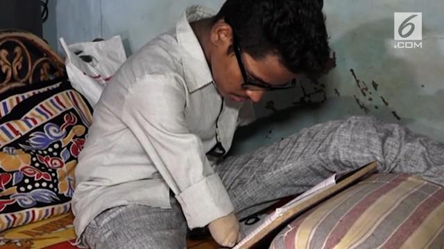 Seorang remaja asal India tanpa tangan berhasil lulus ujian sekolah menengah atas.