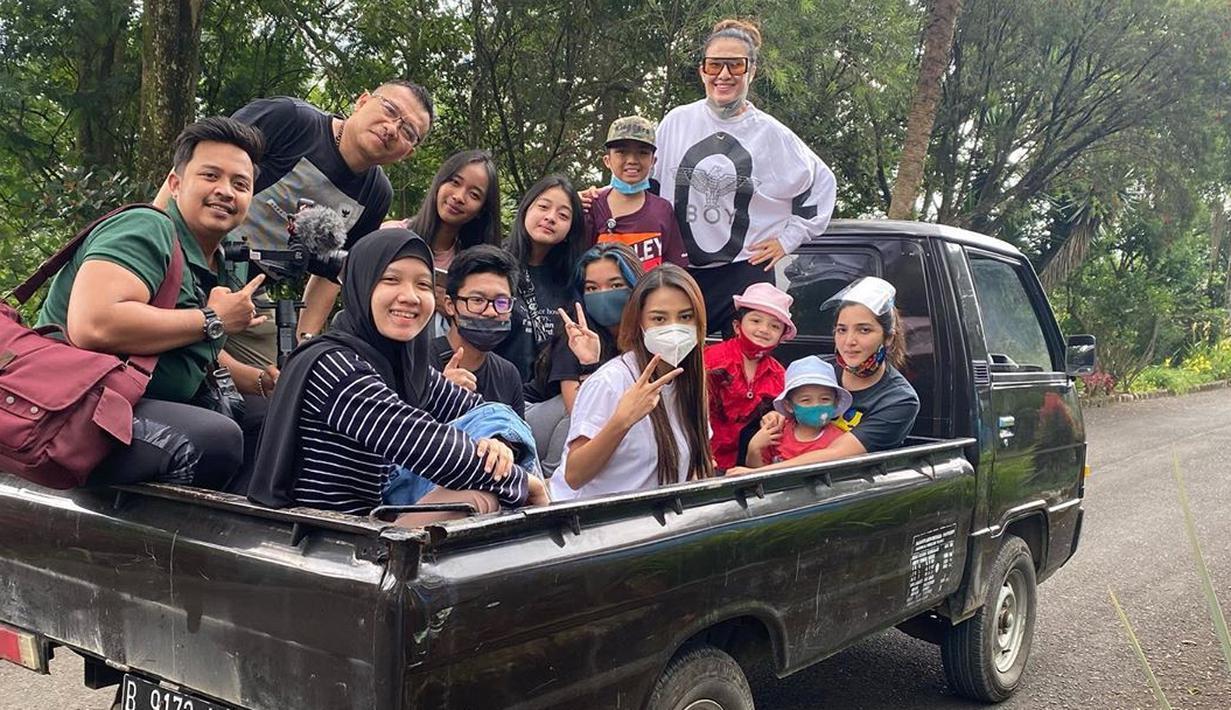 Potret Liburan Keluarga Ashanty dan Anang Hermansyah ...