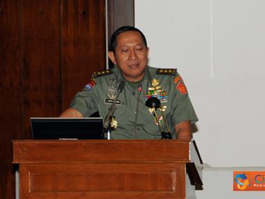 Citizen6, Cilangkap: Acara ini dibuka oleh Kepala Staf Umum (Kasum) TNI Letjen TNI J. Suryo Prabowo, dalam amanatnya banyak memberikan penekanan mengenai masalah rekruitmen prajurit TNI dan pendidikan di lingkungan TNI. (Pengirim: Badarudin Bakri)