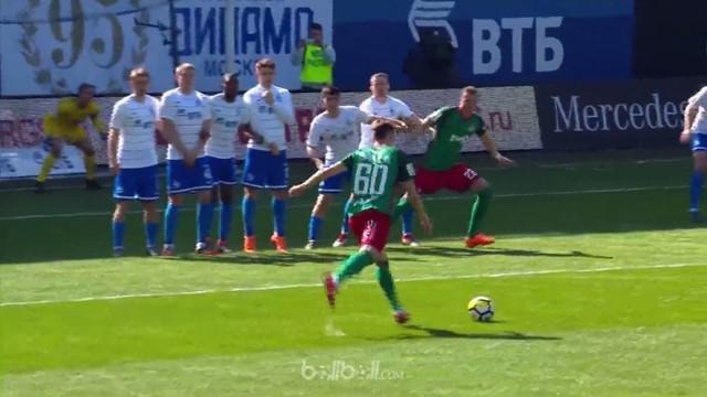 Lokomotiv Moscow mempertahankan keunggulan lima poin di puncak klasemen Liga Rusia usai menang 4-0 dalam laga derby kontra Dynamo ...