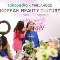 Tokopedia X Fimelahood sukses digelar! 27 Peserta Fimelahood belajar makeup Korea bareng Wenny Dewanti. (Fimela.com/Adrian Putra)