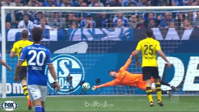Berita video 5 penyelamatan terbaik pekan ke-30 Bundesliga 2017-2018. This video presented by BallBall.