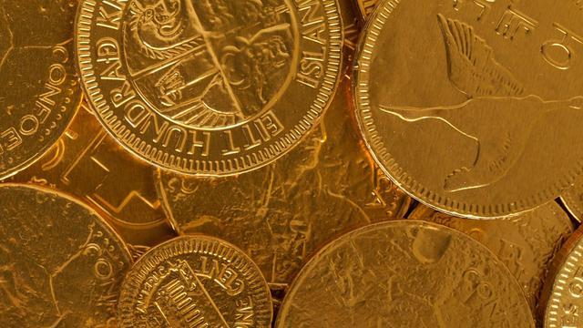 Ilustrasi Cokelat Emas