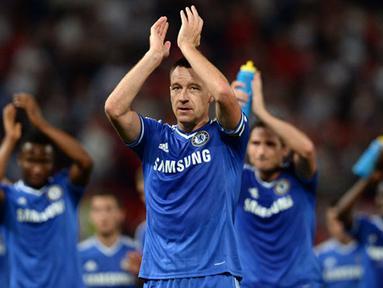 Skor 0 - 0 bertahan sampai pluit panjang ditiup pada pertandingan Liga Inggris antara Manchester United melawan Chelsea di Stadion Old Trafford, Manchester Selasa 27 Agustus 2013. (AFP/Andrew Yates)