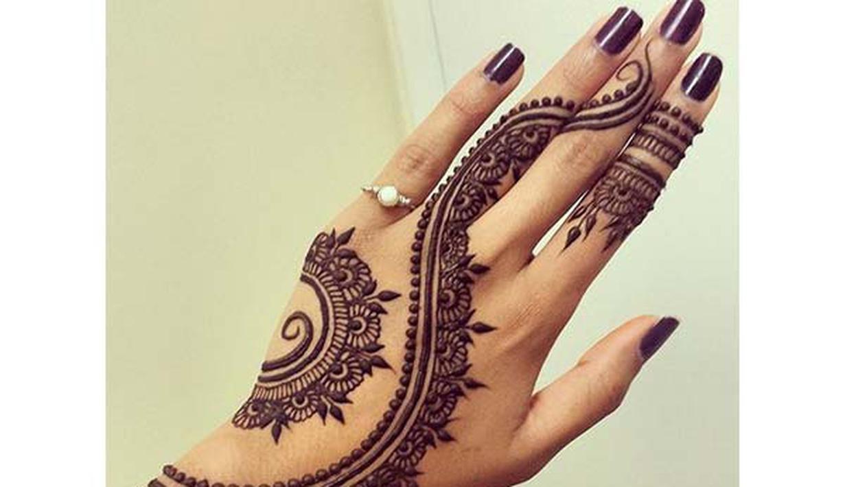 8 Inspirasi Henna Tangan Super Cantik Untuk Calon Pengantin Fimela