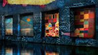 Bassins de Lumières, galeri seni digital hasil pugaran kapal selam bekas perang dunia II. (dok. Instagram @bassinsdelumieres/https://www.instagram.com/p/CBLegKDF2v5/)