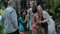 Kimberly Ryder dan Edward Akbar menikah di Masjid Al Ihsan, Kebayoran Baru, Jakarta Selatan, Minggu (26/8/2018). (Adrian Putra/Bintang.com)