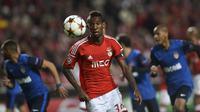 Gelandang asal Brasil ini musim lalu tampil memukau saat dipinjamkan dari Benfica ke klub Turki, Besiktas. (AFP/Patricia De Melo Moreira)