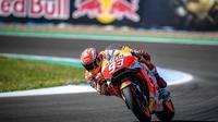 Pembalap Repsol Honda, Marc Marquez memulai balapan MotoGP Spanyol 2018 di Sirkuit Jerez dari posisi kelima. (Twitter/Repsol Honda)