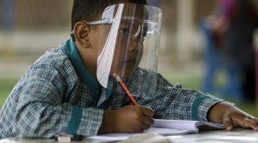 FOTO: Penerapan Pembelajaran Tatap Muka Sekolah di Bandung