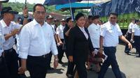 Menteri Perhubungan, Budi Karya Sumadi meninjau Pelabuhan Padangbai, Karangasem, Bali, Senin (7/11/2016).
