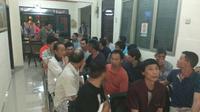 Tenaga kerja asing TKA asal Tiongkok yang ditahan Kepolisian Polres Bogor kini sudah dibebaskan (Liputan6.com/Achmad Sudarno)