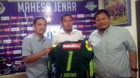 Joko Ribowo resmi bergabung dengan PSIS Semarang. (Bola.com/Ronald Seger)