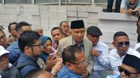 Amien Rais selesai menjalani pemeriksaan di Polda Metro Jaya (Liputan6.com/Nanda Perdana)