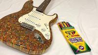 gitar dari 1200 pensil warna (foto: Bored Panda)