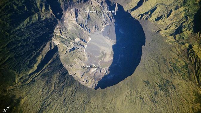 Gunung Tambora (ISS-Digital Camera)