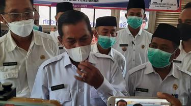 Walikota Serang, Syafrudin, Saat Diwawancarai Awak Media. (Rabu, 21/04/2021). (Liputan6.com/Yandhi Deslatama).