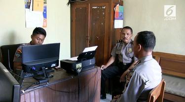 Polres Blora memeriksa Bripka Riyanto, polisi yang terekam menampar seorang wanita. Rekaman peristiwa tersebut menjadi viral di sosial media.