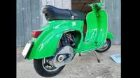 Vespa dengan Retrokit (motociclismo)