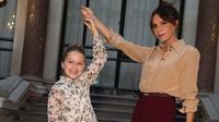 Victoria Beckham dan putrinya, Harper. (dok. Instagram @victoriabeckham/https://www.instagram.com/p/B2buyE1JfhC/Putu Elmira)