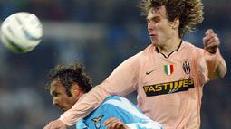Pada tahun 2001, Nedved bergabung bersama Juventus dan berhasil memenangkan dua gelar Serie A selama delapan tahun serta meraih gelar Ballon d'Or pada tahun 2003. (Foto: AFP/Patrick Hertzog)