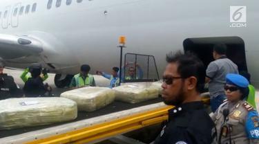 Sabu 1,623 ton dan empat tersangka berkewarganegaraan asing yang tertangkap di Batam, Kepulauan Riau tiba di Bandara Soekarno-Hatta (Soetta).