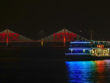 FOTO: Semua Transportasi Umum di Wuhan Kembali Beroperasi