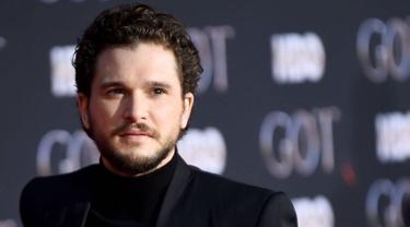 Ketampanan Kit Harington dengan rambut cepak di red karpet premiere serial Game of Thrones season 8 (sumber: Liputan6.com/IG/kitharingtonig)