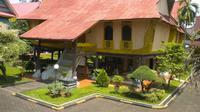 Rumah Lontik Riau. (dok. http://kebudayaan.kemdikbud.go.id/Dinny Mutiah)