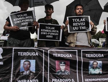 Aksi Kamisan Menolak Dwifungsi TNI