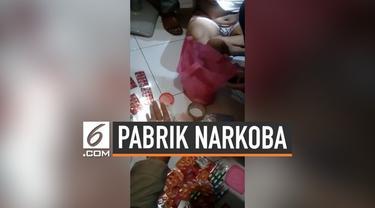 Polres Bogor menggerebek home industri ekstasi di sebuah perumahan di Cibinong. selain menyita ribuan pil ekstasi disita juga bahan baku dan mesincetak ekstasi. Pelaku mencampuran obat-obat warung dalam pembuatan ekstasi.
