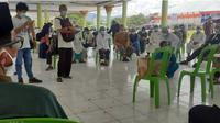Warga yang terindikasi terpapar covid-19 merupakan jemaah alumni Ijtima Ulama di Kabupaten Gowa, Sulawesi Selatan. (Liputan6.com/Arfandi Ibrahim)