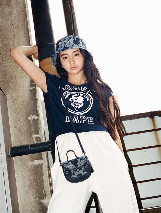 Coach hadirkan koleksi kolaborasi bersama BAPE®, sebuah brand streetwear Jepang.