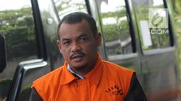 Pengusaha Abu Bakar saat tiba di Gedung KPK, Jakarta, Selasa (30/7/2019). Abu Bakar diperiksa sebagai tersangka terkait dugaan penyuapan terhadap Gubernur Kepulauan Riau Nurdin Basirun agar memberikan izin prinsip lokasi reklamasi di Kepulauan Riau. (merdeka.com/Dwi Narwoko)