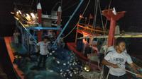 KM Troya yang ditahan di Myanmar. (Foto: Lembaga Adat Panglima Laot Aceh)