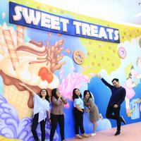 "Memenuhi kebutuhan pengunjung akan hiburan yang instagramable, Summarecon Mal Bekasi menghadirkan wahana baru bertajuk ""Sweet Treats."" mulai 18 Oktober 2018-20 Januari 2019. (Foto: Dokumen Summarecon Mal Bekasi)"
