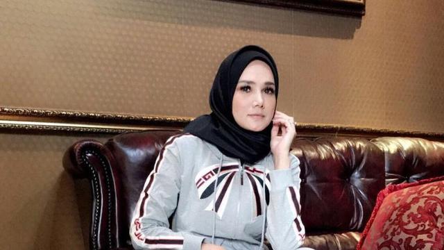 Sudah Hijrah, Mulan Jameela Kini Merintis Bisnis Online