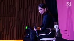 Penyanyi Nicole Zefanya atau Niki saat eksklusif interview di SCTV Tower, Jakarta, Jumat (20/9/2019). Niki dihadirkan dalam Smartfren WOW Concert 2019 karena tekadnya dalam mengejar mimpi dinilai sesuai dengan tujuan acara tersebut. (Liputan6.com/Heman Zakharia)