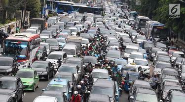Persatuan Penyelenggara Transportasi Online mendukung rencana pemerintah membuat transportasi online pelat merah, agar tercapai tarif ideal bagi aplikator dan pengemudi.