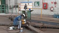 Pekerja di pabrik PT Barata Indonesia (Persero) di Cilegon. Dok: Tommy Kurnia/Liputan6.com