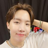 J-Hope BTS (Twitter/ BTS_twt)