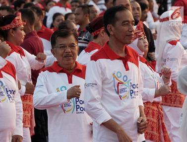 Gaya Jokowi dan Jusuf Kalla Meriahkan Pemecahan Rekor Tari Poco-Poco