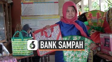 Seorang wanita berusia 53 tahun mendirikan bank sampah dengan tujuan untuk mencegah polusi dan membantu perekonomian daerah. Plastik yang telah dikumpulkan diubah menjadi barang bermanfaat.