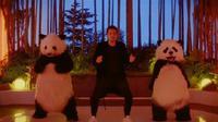 Ungkap sisi lain, John Mayer tampil ekspresif di video klip terbarunya.