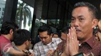 Ketua DPRD DKI Jakarta, Prasetyo Edi Marsudi usai menjalani pemeriksaan sebagai saksi KPK, Senin (11/4). Prasetyo menjadi saksi tersangka M Sanusi dalam kasus dugaan suap pembahasan Raperda terkait reklamasi Teluk Jakarta. (Liputan6.com/Helmi Afandi)